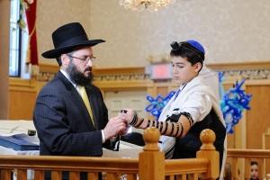 bar-mitzvah-ceremony